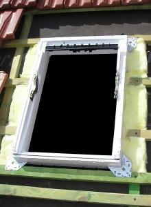 Izolace kolem střešního okna
